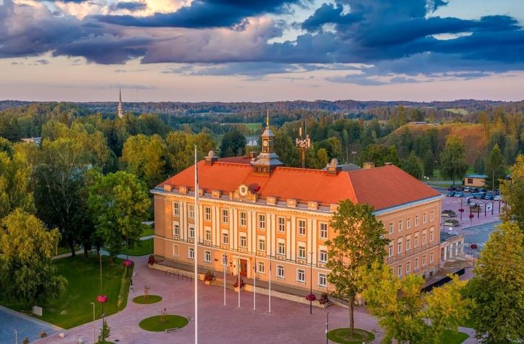 Eesti - Lõuna-Eesti muistsed looduse pühapaigad